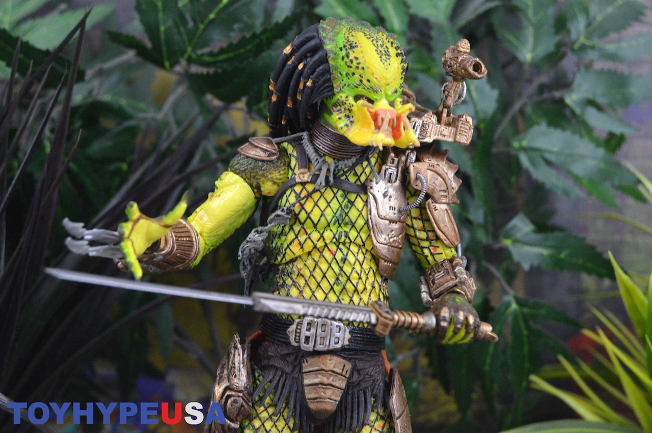 NECA Toys Ultimate Elder: The Golden Angel Predator Figure Review