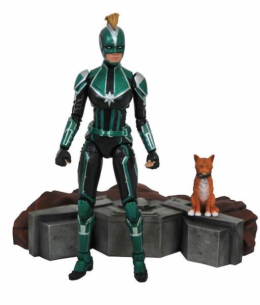 Diamond Select Toys Marvel Select Captain Marvel Figure