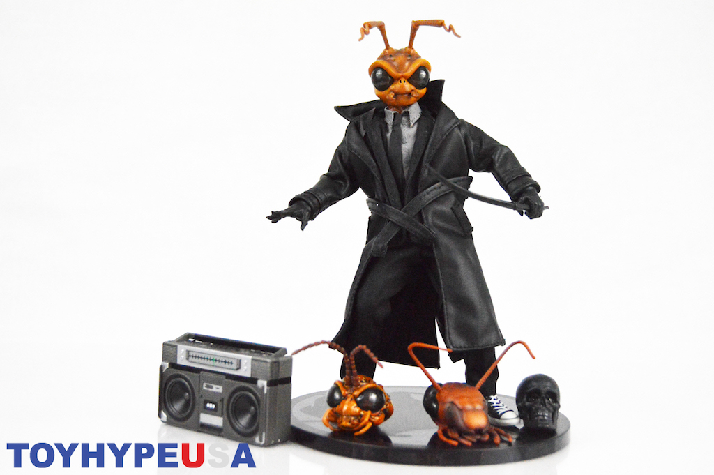 Mezco Toyz NYTF 2019 Exclusive – Gomez Agent Edition One:12 Collective Figure Review