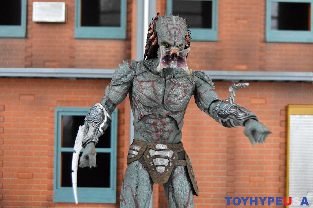 NECA Toys Predator 2018 Movie – Deluxe Armored Assassin Predator Figure Review