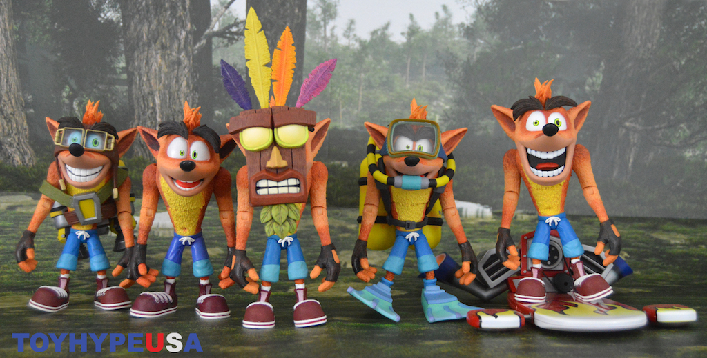 NECA Toys Ultra Deluxe Crash Bandicoot With Aku Aku Mask Figure Review
