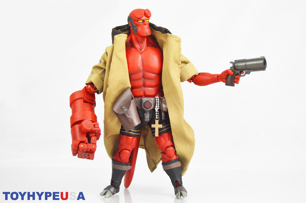 Dark Horse Exclusive – 1000 Toys Hellboy 1/12th Figure Review