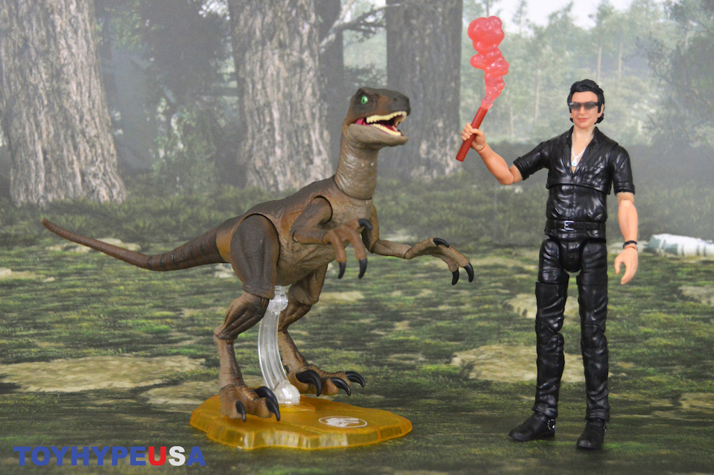 Mattel – Jurassic World Amber Collection Dr. Ian Malcolm & Velociraptor Figures Review