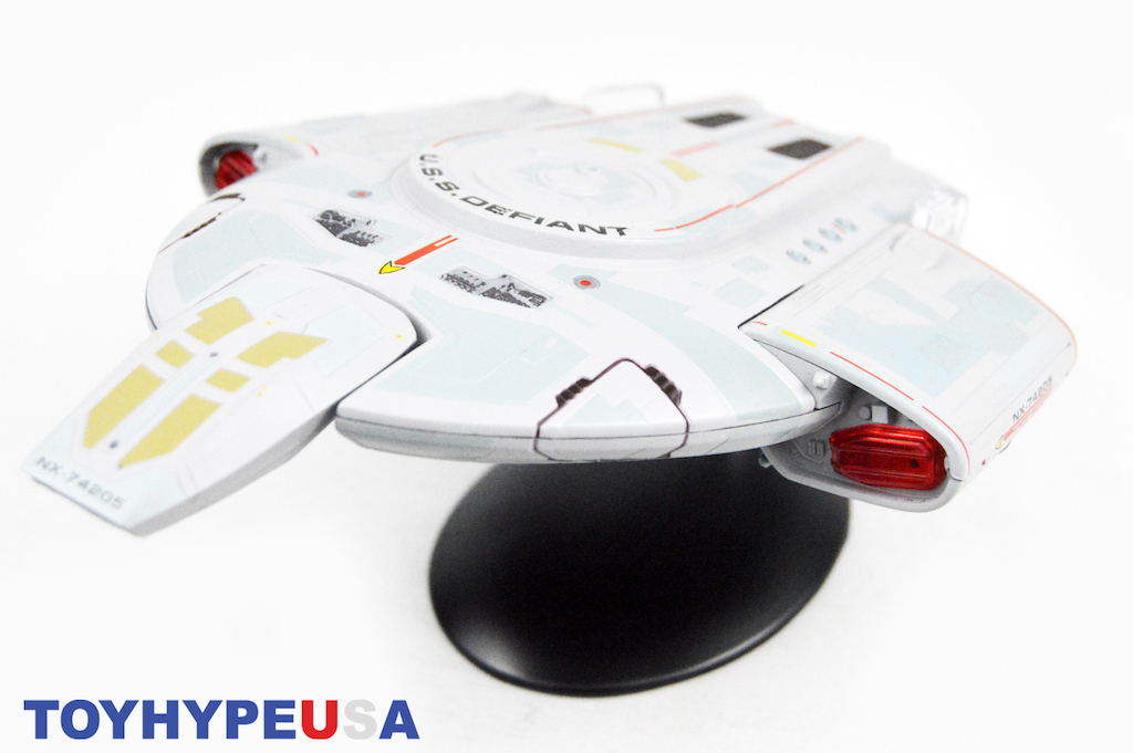 Eaglemoss – Star Trek U.S.S. Defiant NX-74205 Starship Review