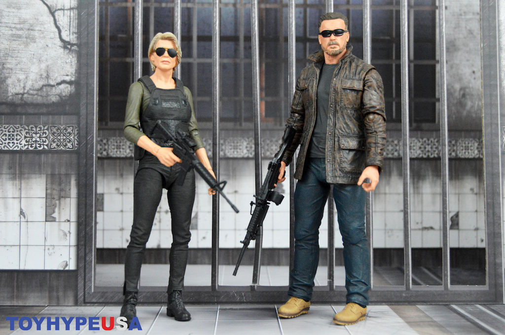 NECA Toys Terminator: Dark Fate Sarah Connor & T-800 Figures Review