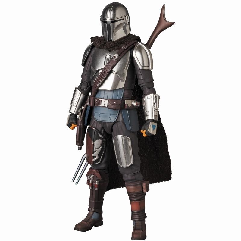 Medicom – Mafex The Mandalorian Beskar Armor & The Child Figures