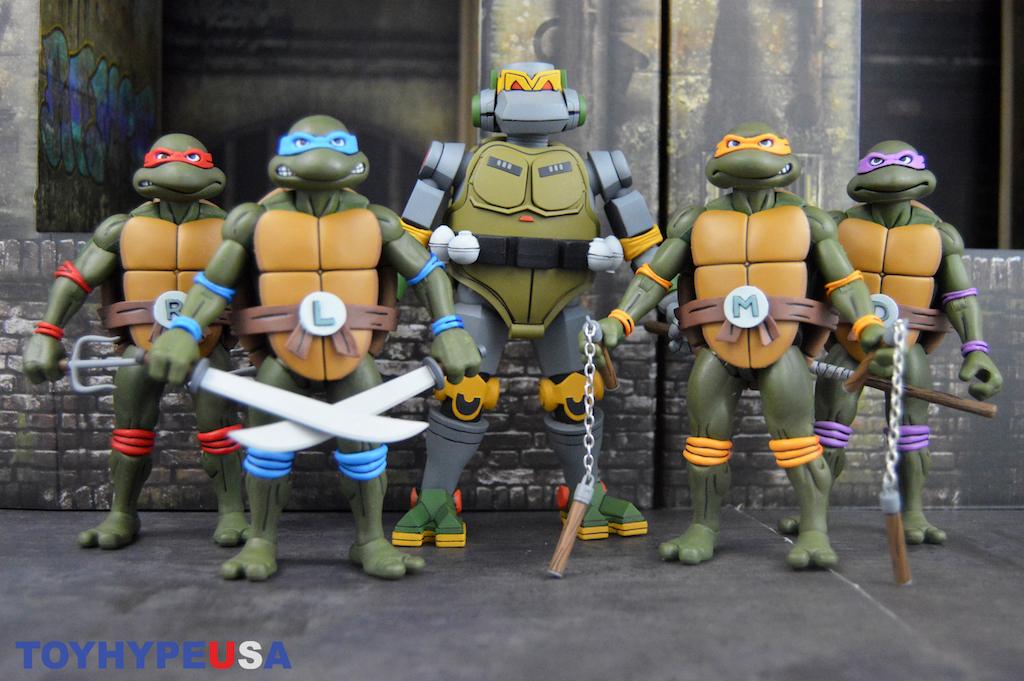 NECA Toys Teenage Mutant Ninja Turtles Cartoon Wave 3 Metalhead Figure Review