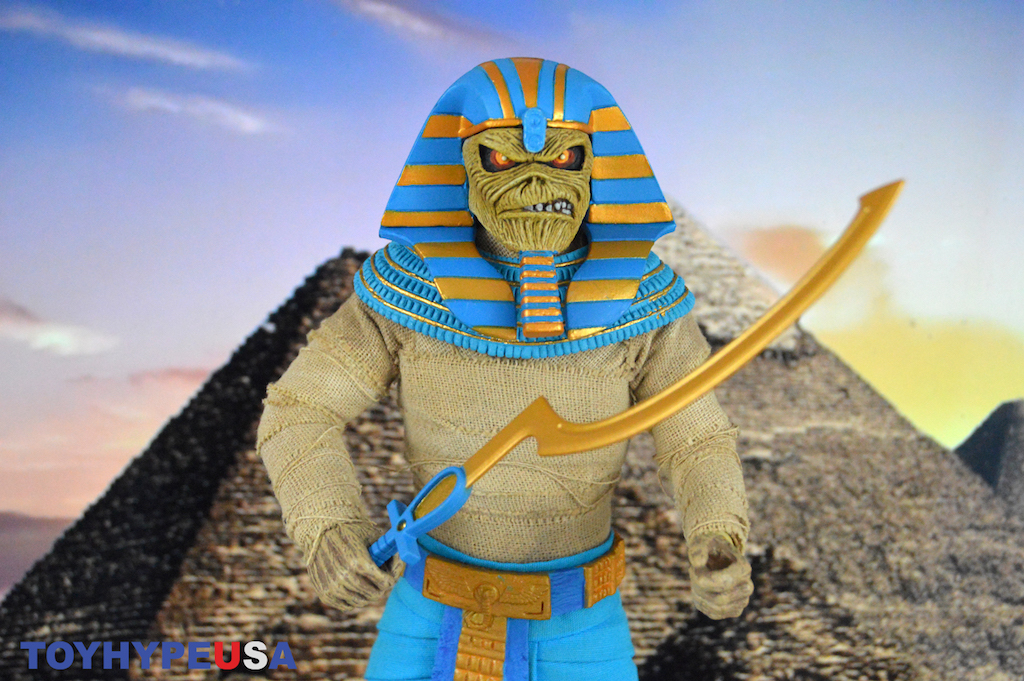 NECA Toys Iron Maiden 8″ Clothed Powerslave Pharaoh Eddie Figure Review