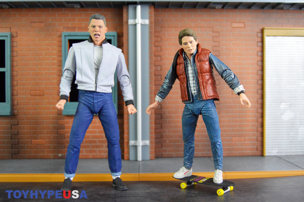 NECA Toys Back To The Future – Ultimate 7″ Marty McFly & Biff Figures Review