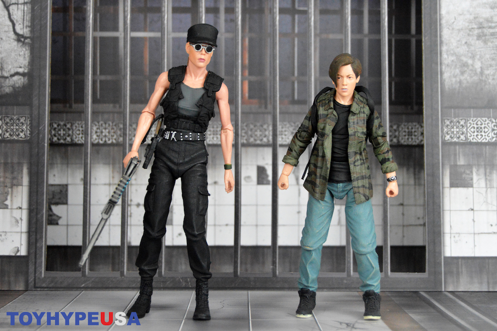 NECA Toys Terminator 2: Judgment Day Sarah Connor & John Connor 2 Pack Figure Review