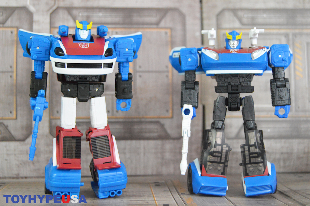 Hasbro Transformers War For Cybertron: Earthrise Smokescreen Figure Review