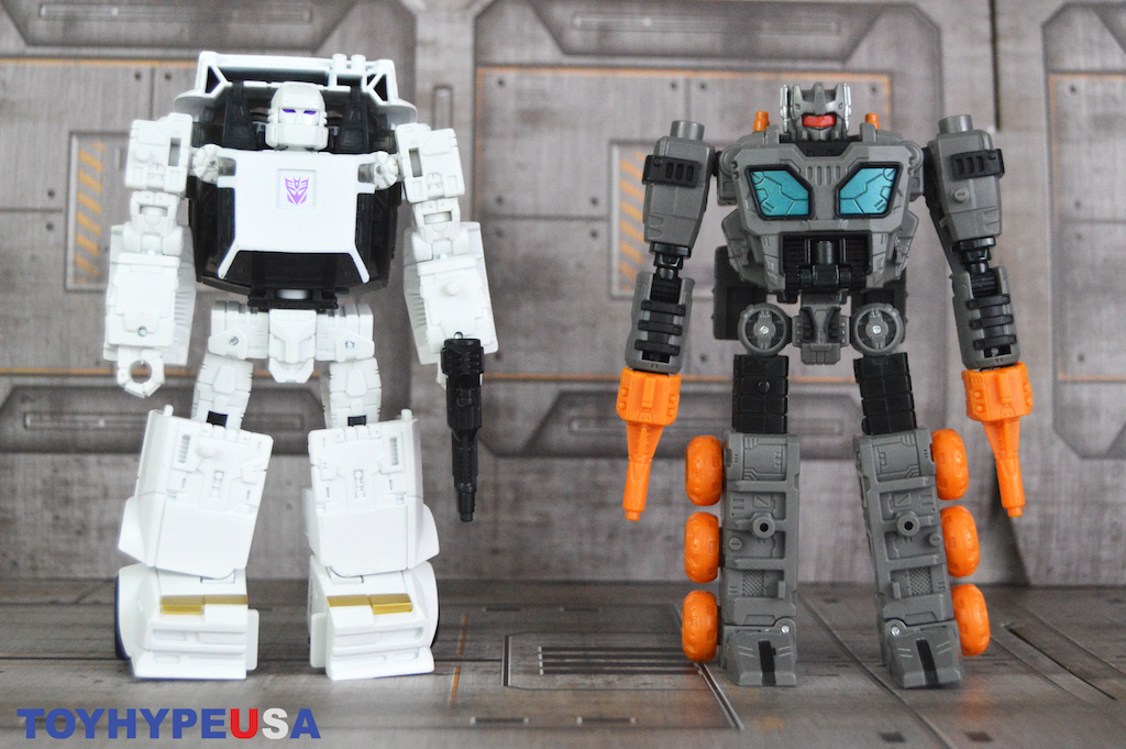 Hasbro Transformers War For Cybertron: Earthrise Runamuck & Fasttrack Figures Review