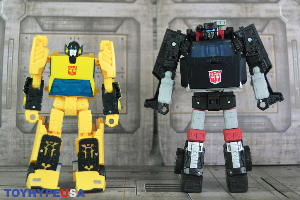 Hasbro Transformers War For Cybertron: Earthrise Sunstreaker & Trailbreaker Figures Review