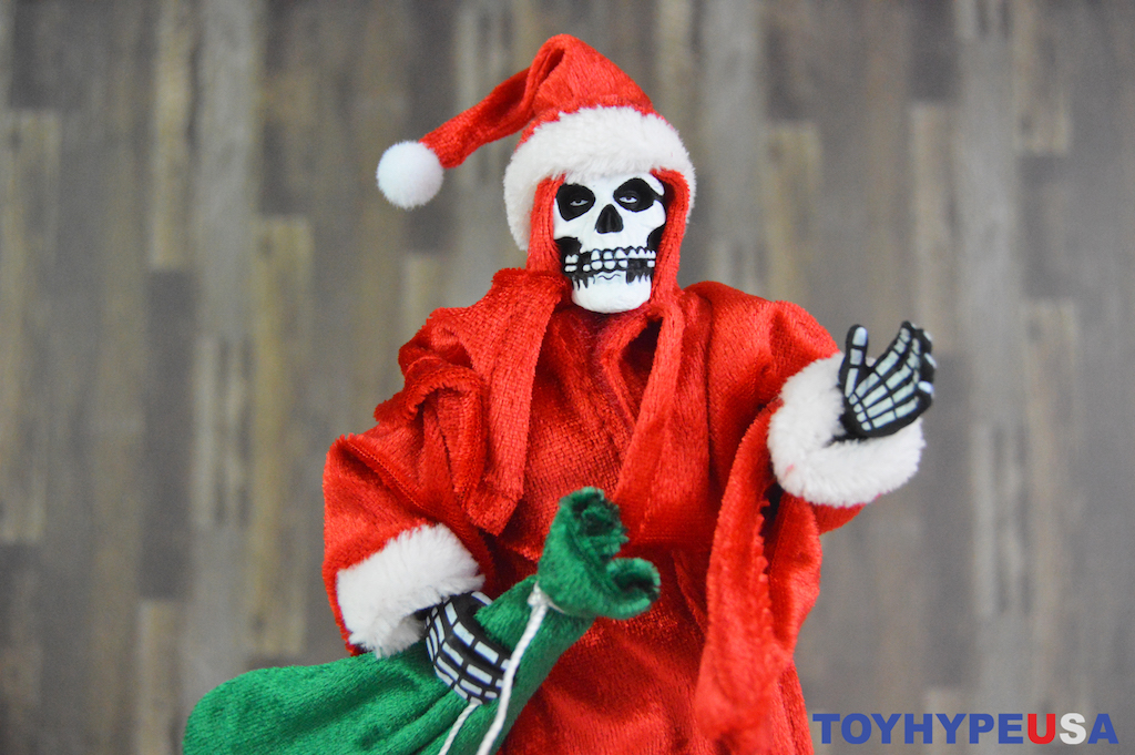 NECA Toys Misfits – Holiday Fiend 8″ Clothed Figure Review