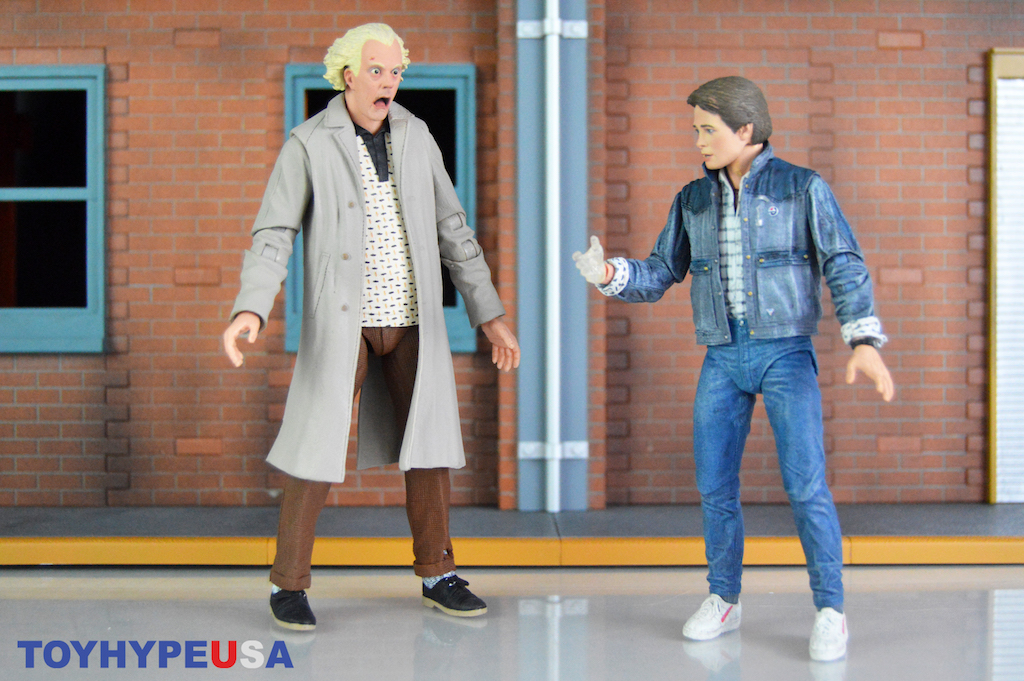 NECA Toys Back To The Future Ultimate Doc Brown 7″ Scale Figure Review
