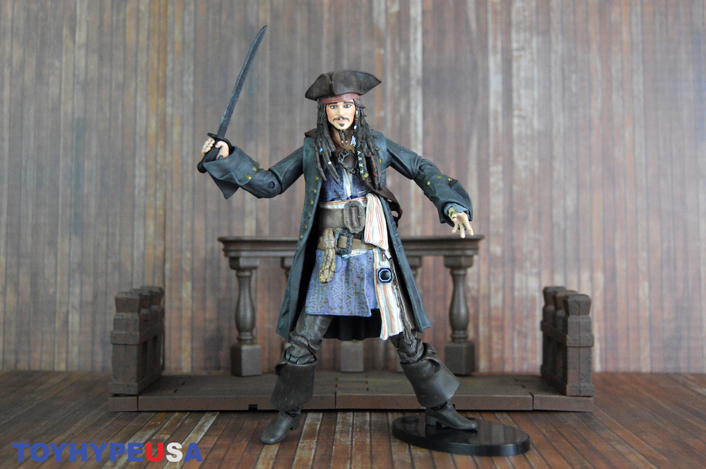 Diamond Select Toys Pirates of the Caribbean Deluxe Jack Sparrow Figure Review