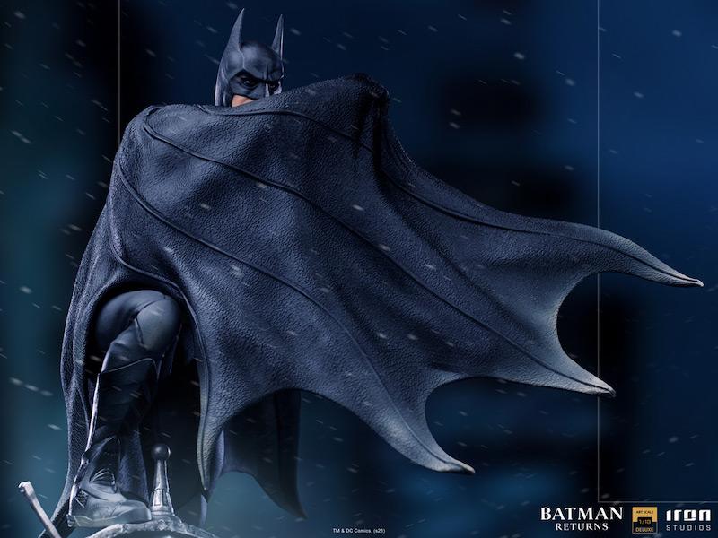 Iron Studios Batman Returns – Deluxe Batman Statue Pre-Orders