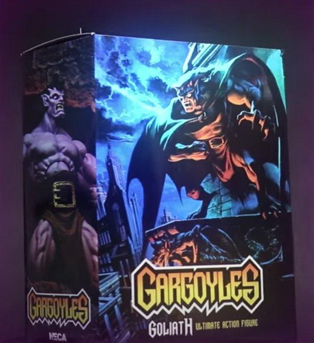 NECA Toys Gargoyles – Goliath Figure In-Packaging