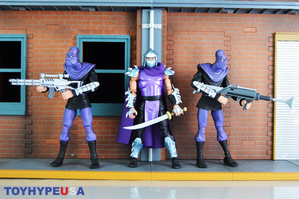 NECA Toys Teenage Mutant Ninja Turtles Stern Pinball Crate Exclusive Shredder Figure Review