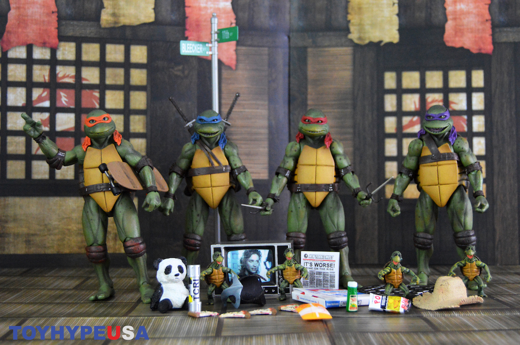 NECA Toys Teenage Mutant Ninja Turtles 1990 Movie Accessory Set Review