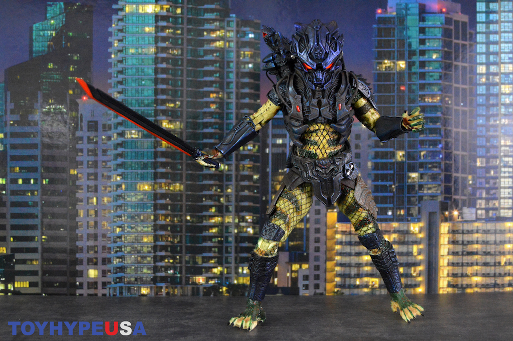 NECA Toys Predator 2 – Ultimate Armored Lost Predator Figure Review