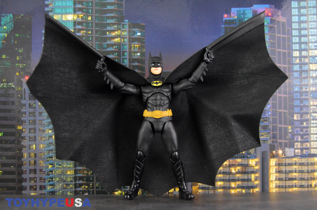 S.H.Figuarts Batman 1989 Michael Keaton Figure Review